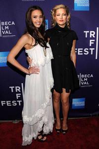 Jessica Alba and Kate Hudson